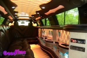 10 Passenger Chrysler 300 Stretch Limousine1 300x199 10 Passenger Chrysler 300 Stretch Limousine