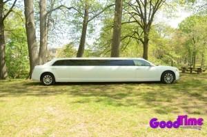 10 passenger chrylser 300 stretchlimo ext 2 300x199 10 passenger chrylser 300 stretchlimo ext 2