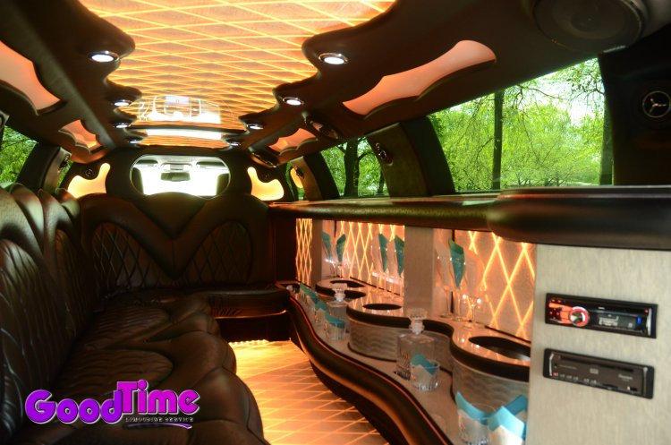 10 passenger chrylser 300 stretchlimo int 1 1 TORONTO LIMO RENTAL FLEET