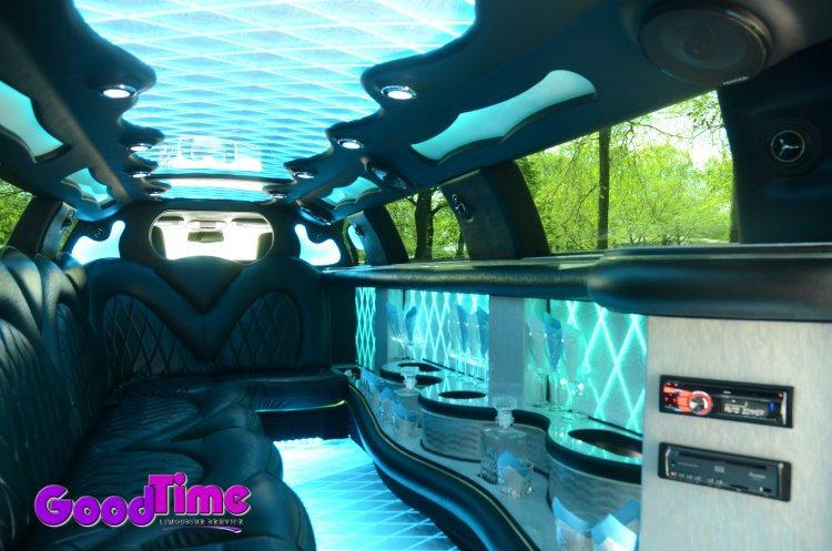 10 passenger chrylser 300 stretchlimo int 2 1 TORONTO LIMO RENTAL FLEET