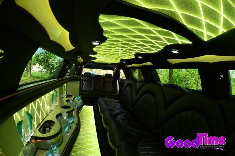 10 passenger chrylser 300 stretchlimo int 7 1 TORONTO LIMO RENTAL FLEET