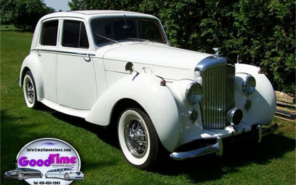 1950 Bentley Exterior 1 1 960x600 c TORONTO LIMO RENTAL FLEET