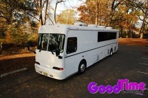 32 passenger party bus ext 1 300x200 32 passenger party bus ext 1