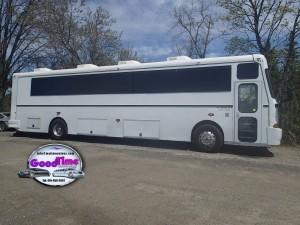 32 passenger party bus exterior 1 300x225 32 passenger party bus exterior 1