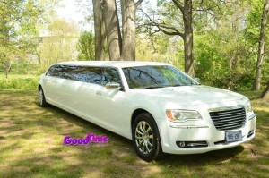Chrysler 300 Stretch Limo Ext 1 300x199 Chrysler 300 Stretch Limo Ext 1