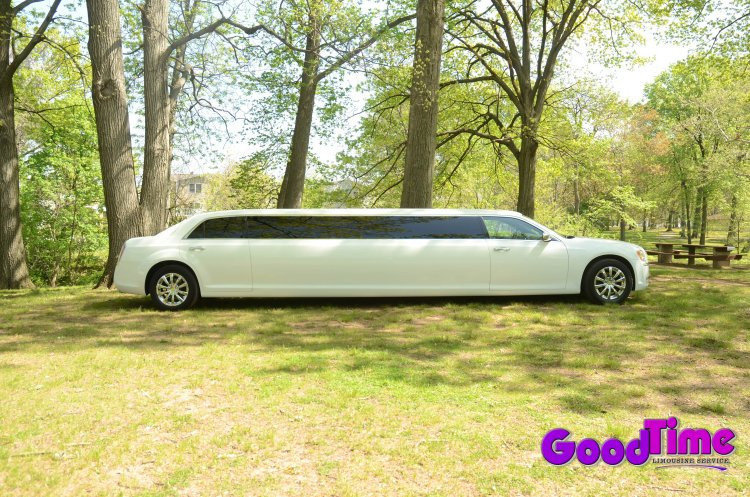 Chrysler 300 Stretch Limo Rental Service LIMO RENTAL FLEET