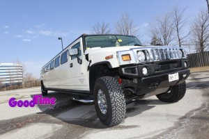 H2 Hummer 21 Passenger SUV Stretch Limo ext 1 300x200 H2 Hummer 21 Passenger SUV Stretch Limo ext 1