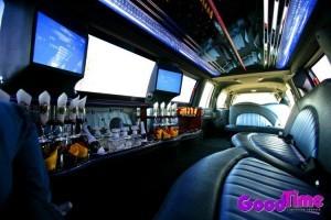 Lincoln Navigator SUV Stretch Limo Interior With Bar Strobes Rear Controls 300x200 Lincoln Navigator SUV Stretch Limo Interior With Bar Strobes Rear Controls