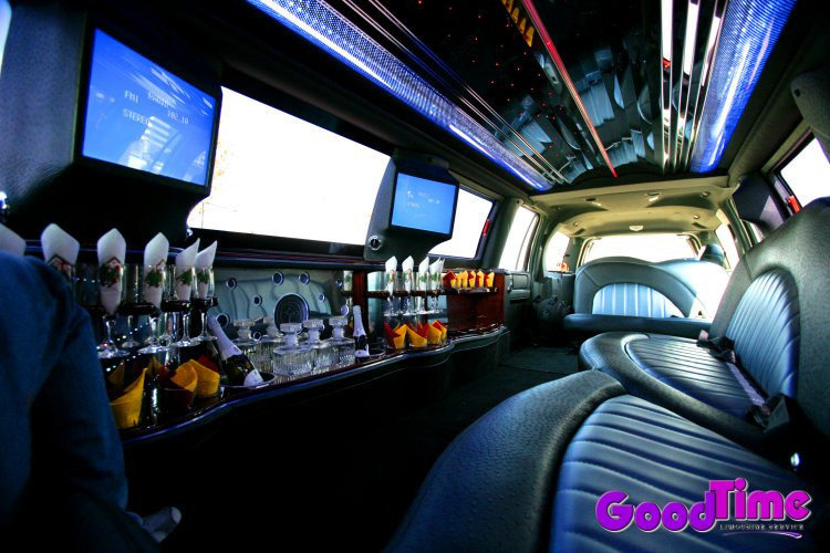Lincoln Navigator SUV Stretch Limo Interior With Bar Strobes Rear Controls LIMO RENTAL FLEET