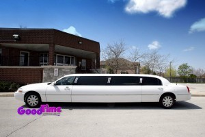 Lincoln Town Car Stretch Limo Ext 1 300x200 Lincoln Town Car Stretch Limo Ext 1