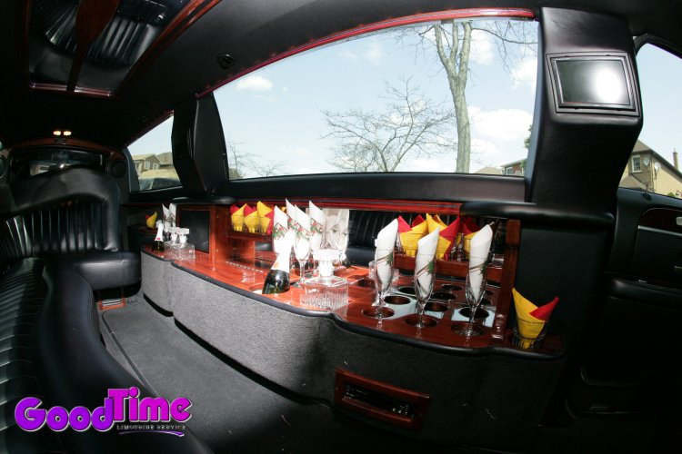 Lincoln Town Car Stretch Limousine Interior Bar Display Docking Station TVs TORONTO LIMO RENTAL FLEET