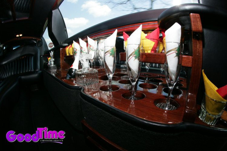 Lincoln Town Car Stretch Limousine Interior Bar Display TORONTO LIMO RENTAL FLEET