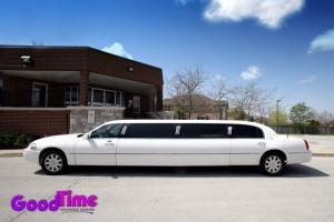 Lincoln Town Car Stretch Limousine Rental Service1 300x200 Lincoln Town Car Stretch Limousine Rental Service