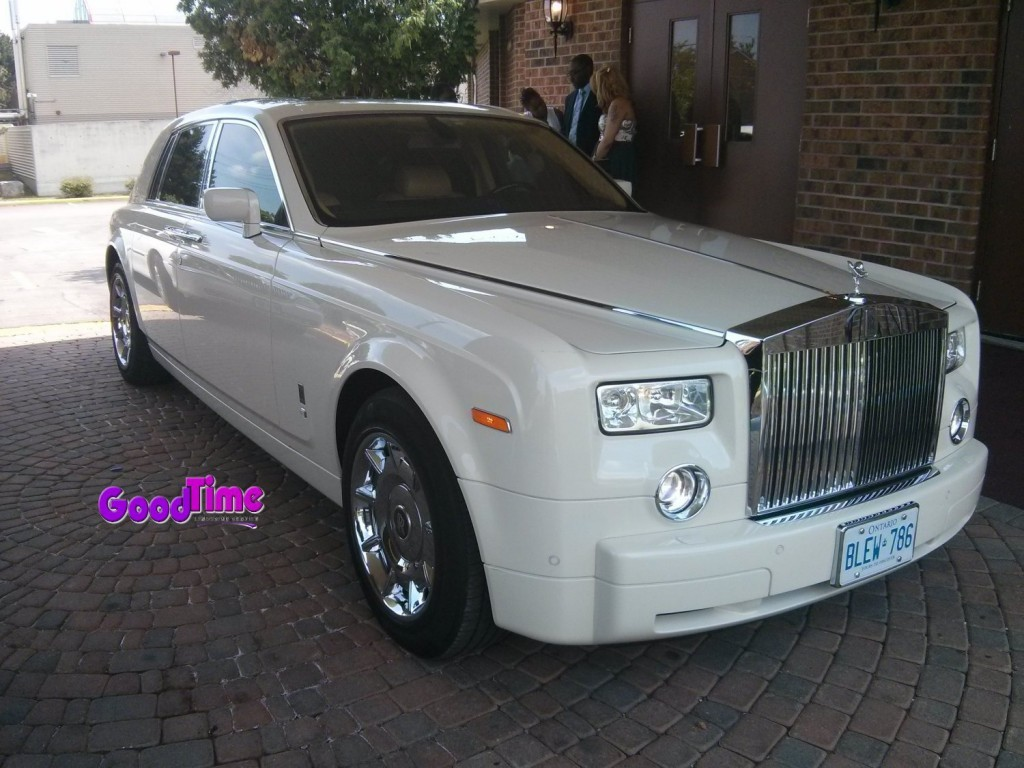 Rolls Royce Phantom White Limo Ext 11 1024x768 TORONTO LIMO RENTAL FLEET