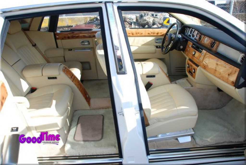 Rolls Royce Phantom White Limo Int 31 1024x686 LIMO RENTAL FLEET