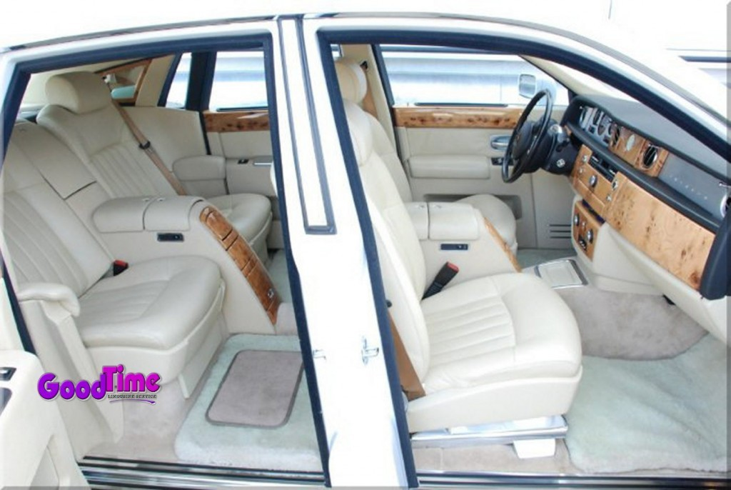 Rolls Royce Phantom White Limo Int 41 1024x686 LIMO RENTAL FLEET