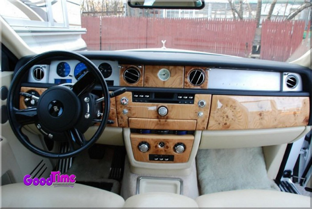 Rolls Royce Phantom White Limo Int 61 1024x686 TORONTO LIMO RENTAL FLEET