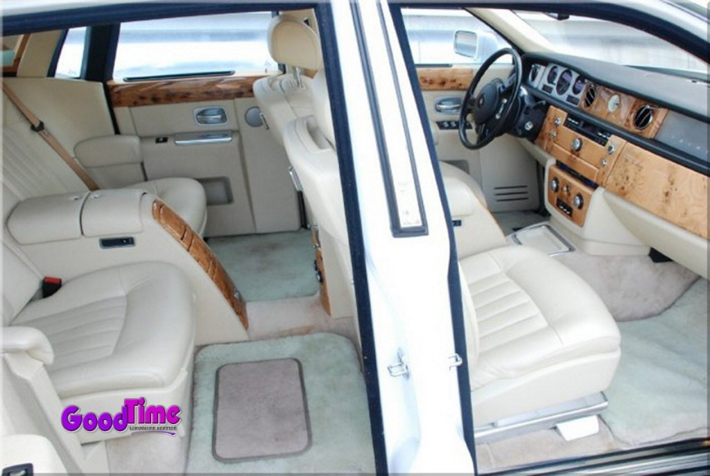 Rolls Royce Phantom White Limo Int 81 1024x687 TORONTO LIMO RENTAL FLEET