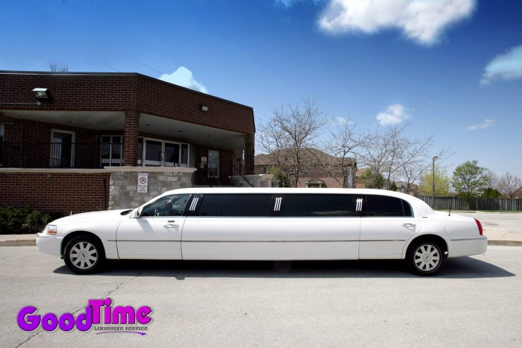 lincoln town car stretch limo ext 1 1 TORONTO LIMO RENTAL FLEET