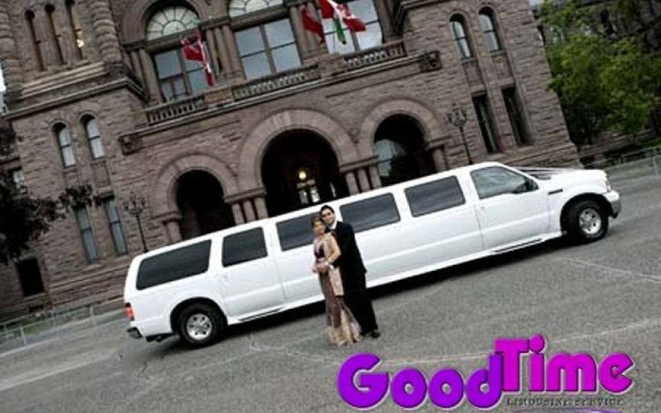 suv ford excursion stretch limo ext 2 1 960x600 c TORONTO LIMO RENTAL FLEET